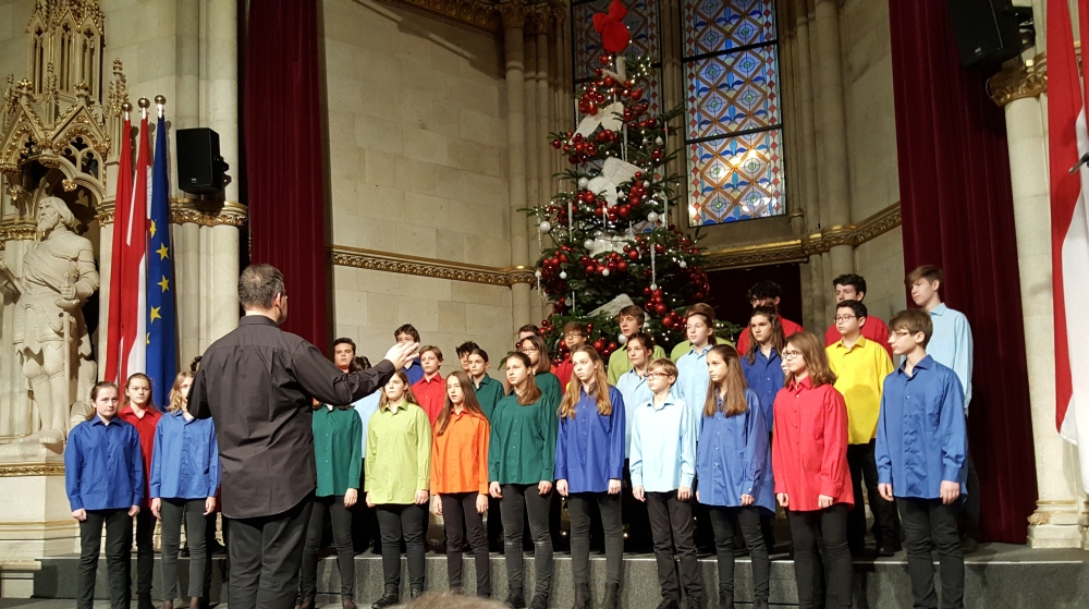 'Internationales Adventsingen' im Rathaus