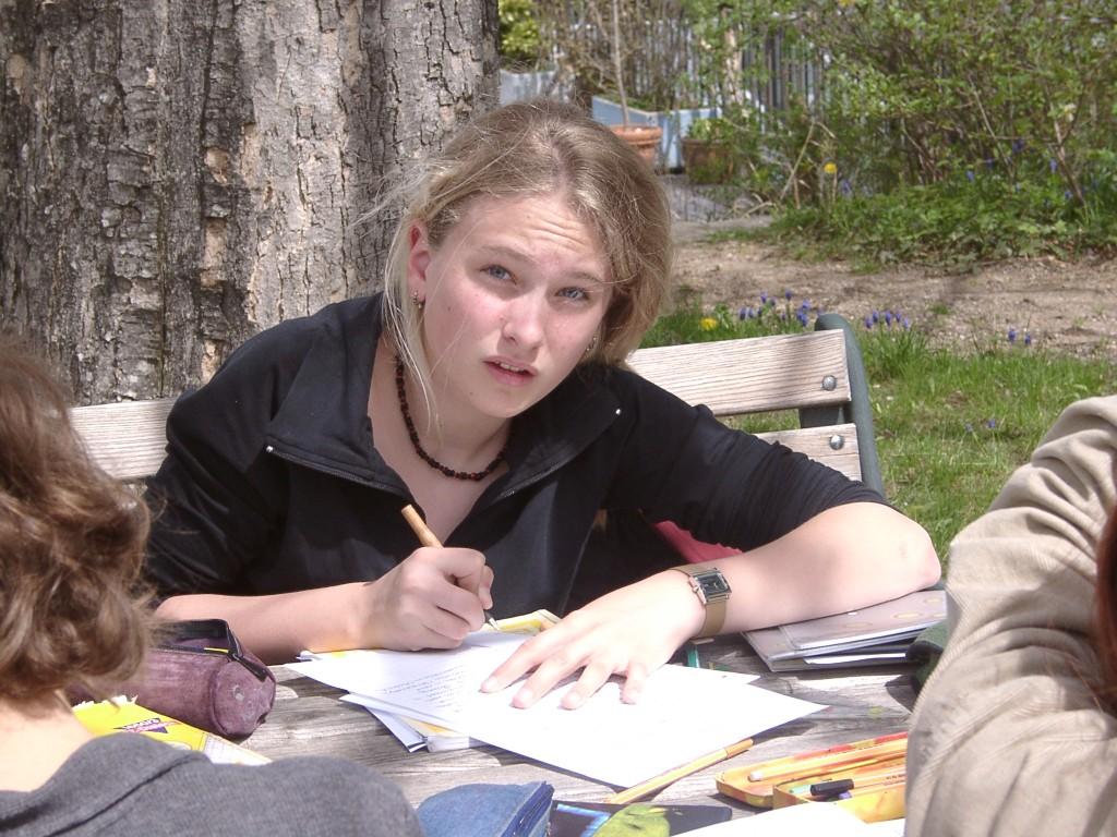 Miriam Z lernend