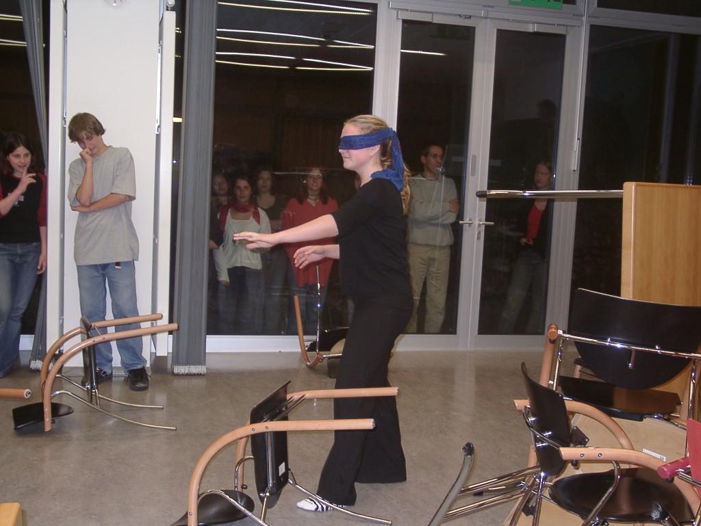 Kati spielt blinde Kuh, Seminarraum 1, Raach