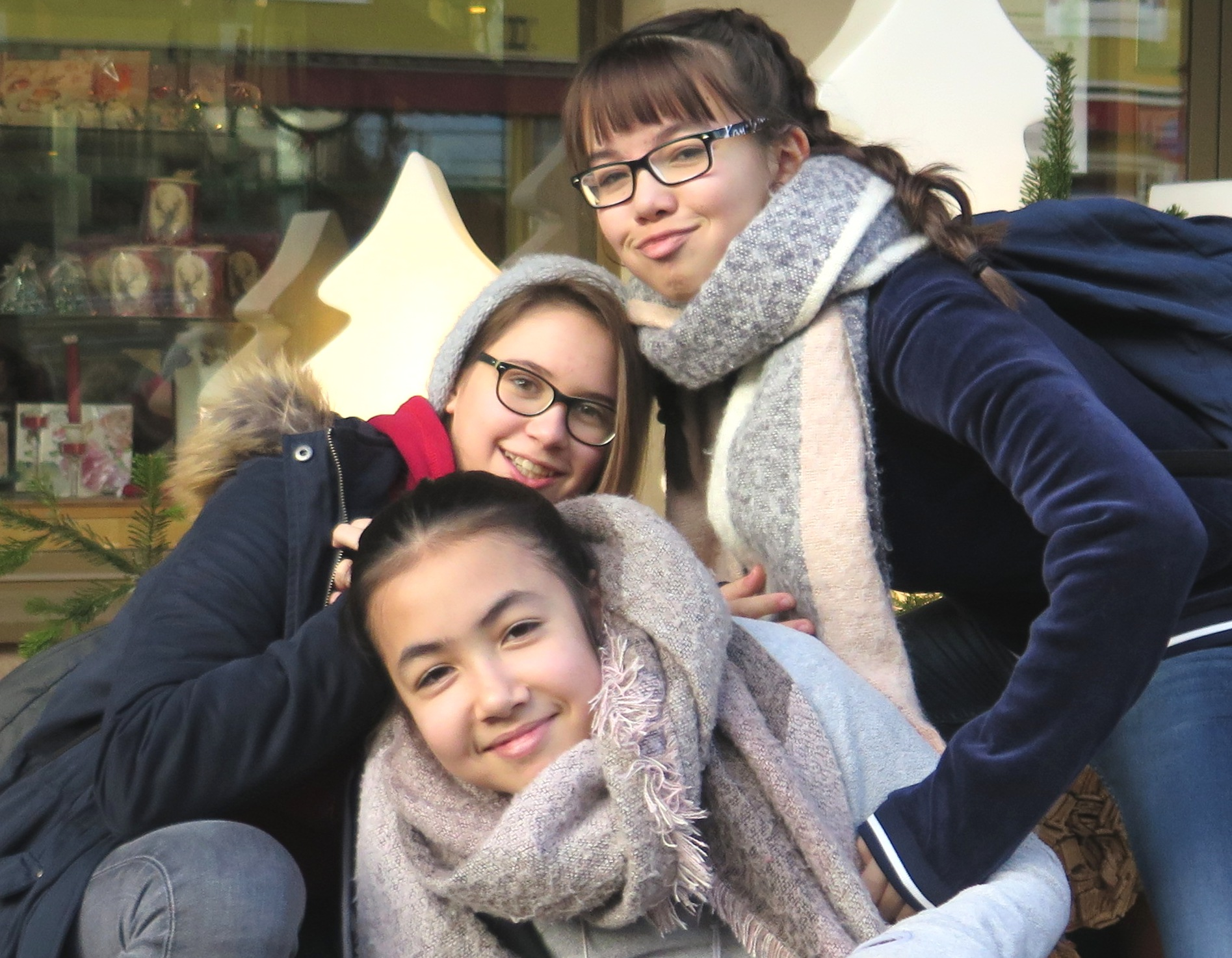Vy An, Laura & Linh