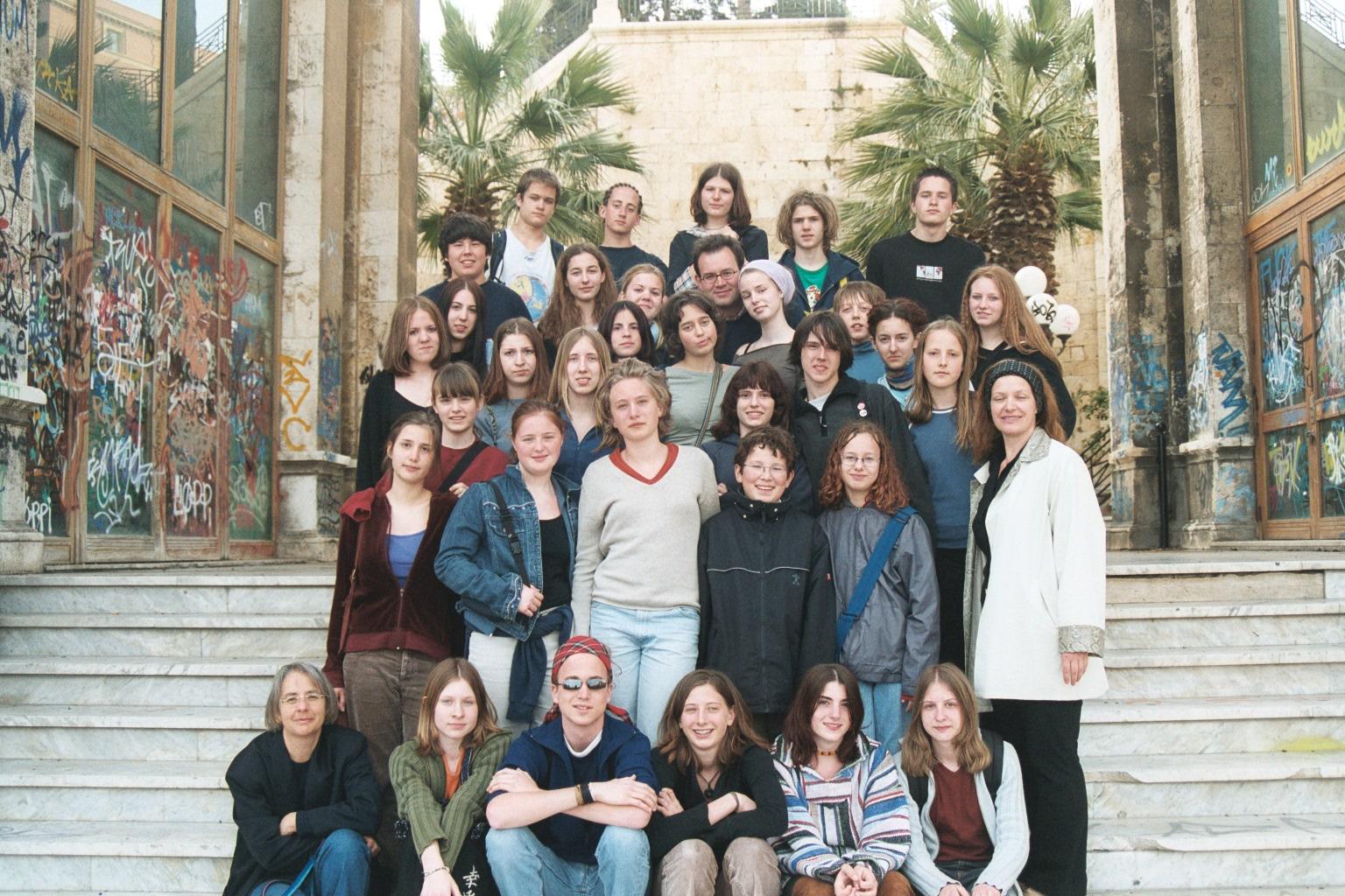 2003 Sardinien, auf Treppe in Cagliari